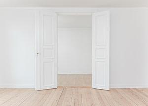 woning zonder meubels en spullen